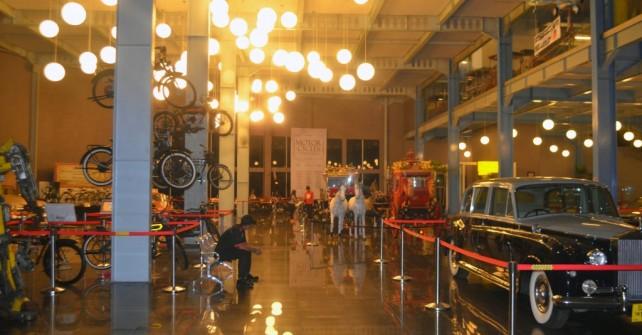 Zona Hall Utama Museum Angkut
